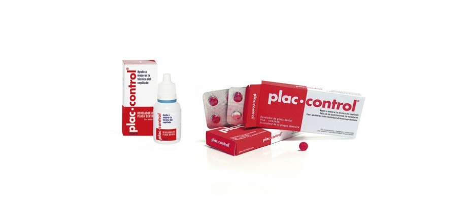 <strong>PLAC CONTROL</strong><br>Locates plaque deposited on teeth